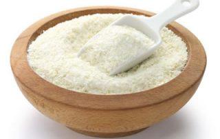 scoop of dry grits