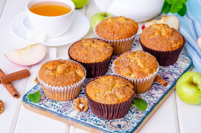 A scrumptious apple cinnamon muffin recipe with aroma bursting flavor that will provide you a morning boost.