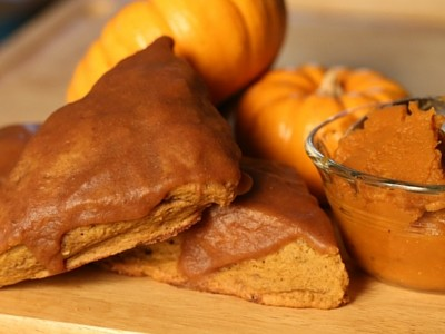 An awesome treat for this fall! This is a delicious Pumpkin scone that melts in your mouth. Filled with pumpkin puree and spice to give it the extra oomph, the texture in this scone will make you come back for more. Remember to store scones in a container after 30 minutes of cooling to preserve the moisture.
